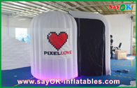 Κίνα Άσπρο στρογγυλευμένο διογκώσιμο ύφασμα Photobooth 210D Οξφόρδη και φως των οδηγήσεων επιχείρηση